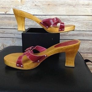 Mia berry colored buckled wooden chunky heels